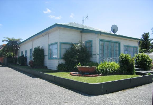 Westport, Russell Corner